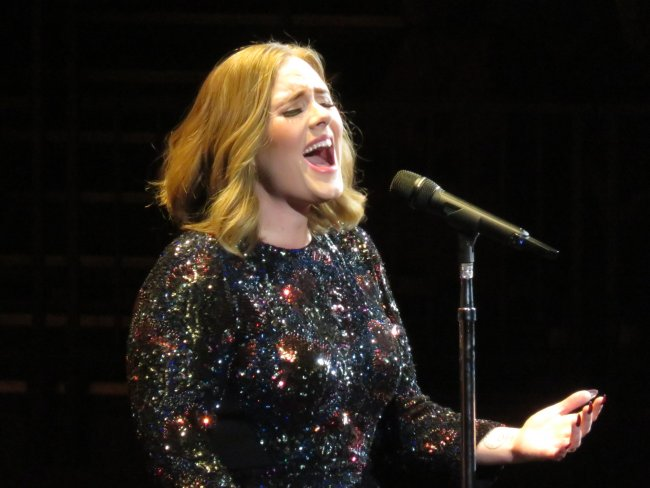 Adele live on tour in 2016